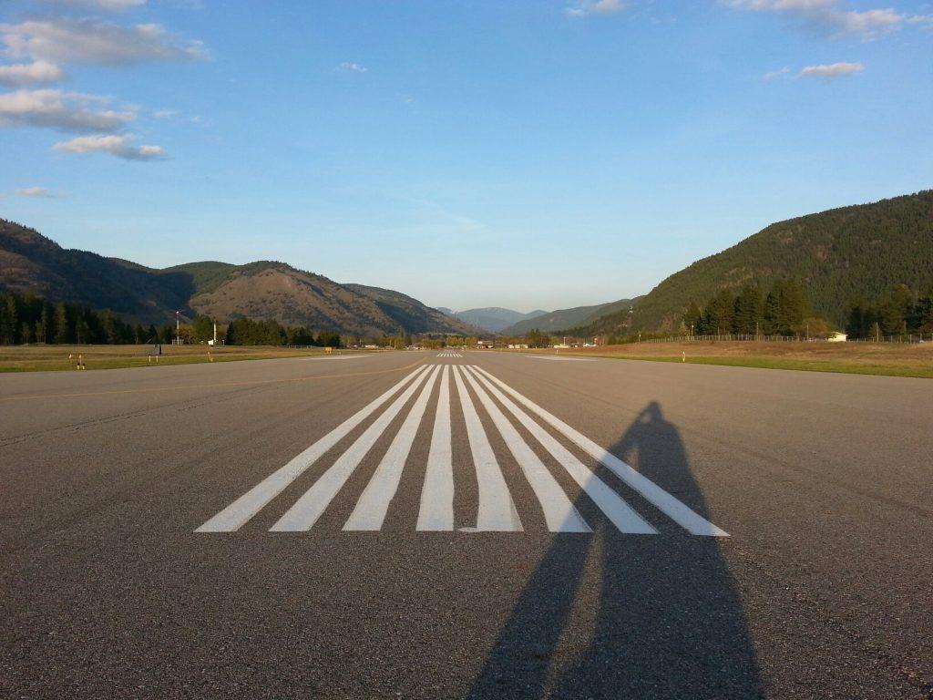 grand forks airport runway